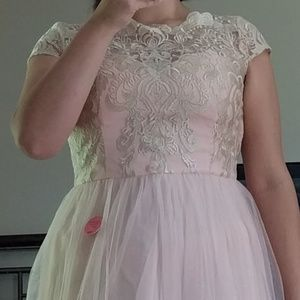 NWT Chi Chi London Lace Top Sleeveless Blush Gown
